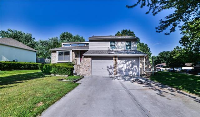 13037 S Sycamore Street, Olathe, KS 66062 (#2179158) :: Kansas City Homes