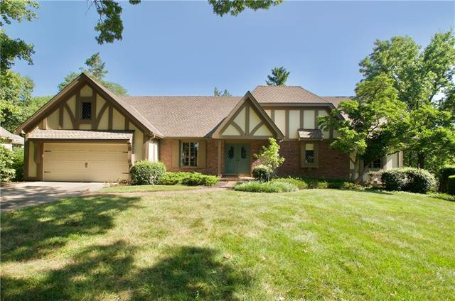 3004 W 84th Street, Leawood, KS 66206 (#2179160) :: Kansas City Homes