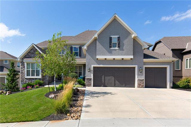 11626 W 158 Terrace, Overland Park, KS 66221 (#2179192) :: The Shannon Lyon Group - ReeceNichols