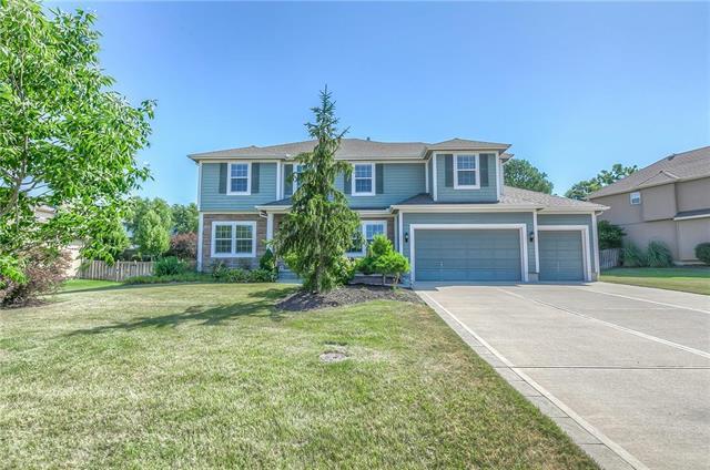 632 Willow Drive, Lansing, KS 66043 (#2179195) :: NestWork Homes