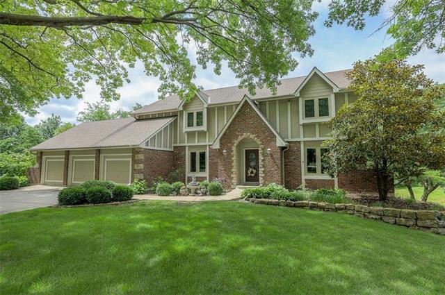 4100 SW Hickory Lane, Blue Springs, MO 64015 (#2179209) :: Kansas City Homes