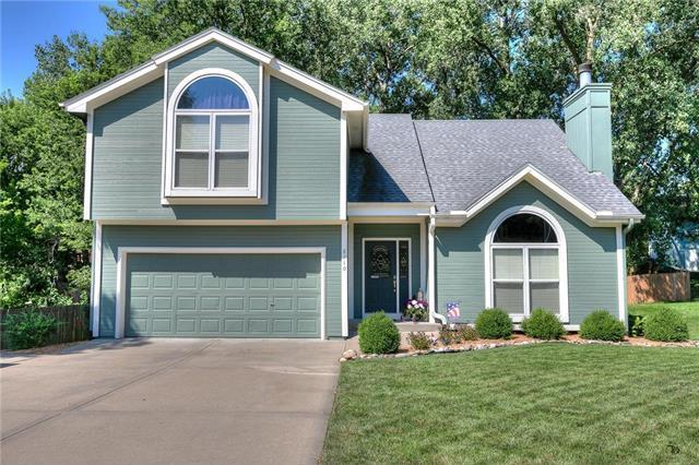 8710 N Carson Avenue, Kansas City, MO 64153 (#2179243) :: Dani Beyer Real Estate