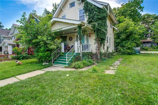 4208 Harrison Street, Kansas City, MO 64110 (#2179267) :: Clemons Home Team/ReMax Innovations