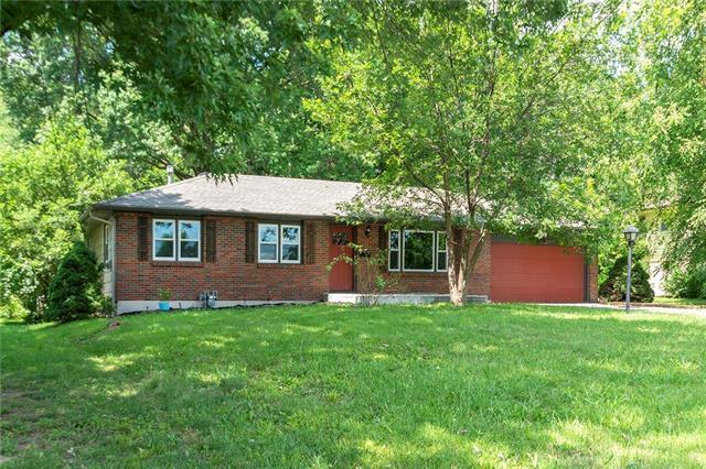 2818 N 72nd Street, Kansas City, KS 66109 (#2179274) :: Clemons Home Team/ReMax Innovations