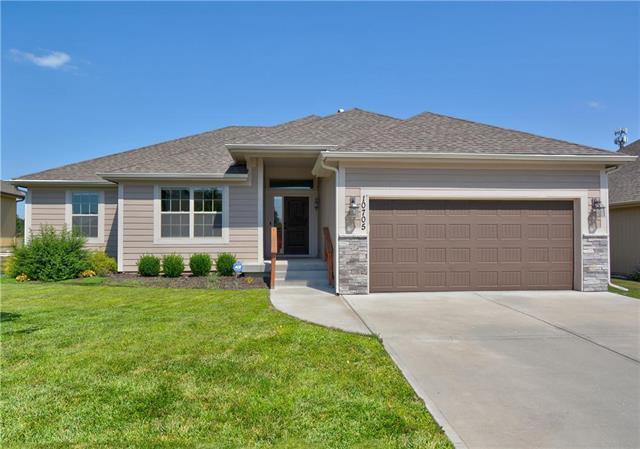 10705 N Flora Avenue, Kansas City, MO 64155 (#2179303) :: Dani Beyer Real Estate