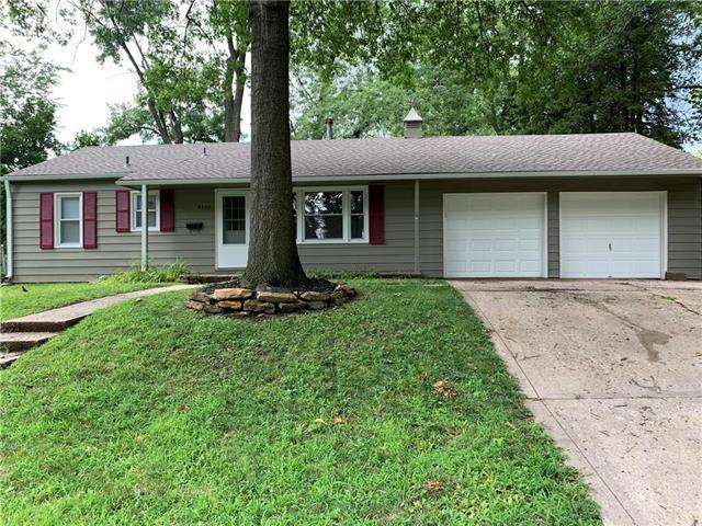 5300 N Garfield Avenue, Kansas City, MO 64118 (#2179337) :: Dani Beyer Real Estate