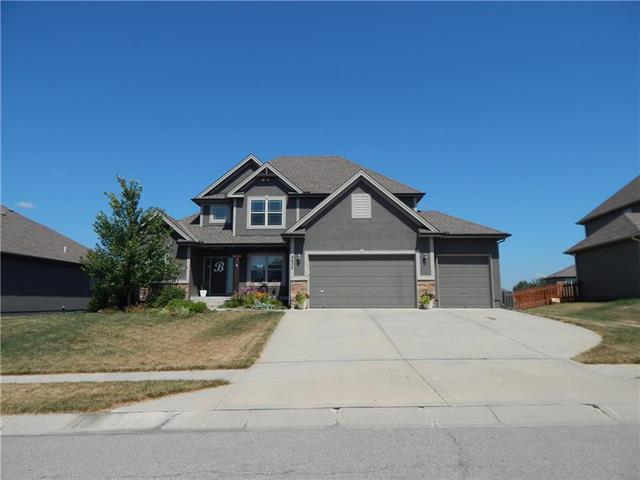 9835 N Farley Avenue, Kansas City, MO 64157 (#2179370) :: Dani Beyer Real Estate