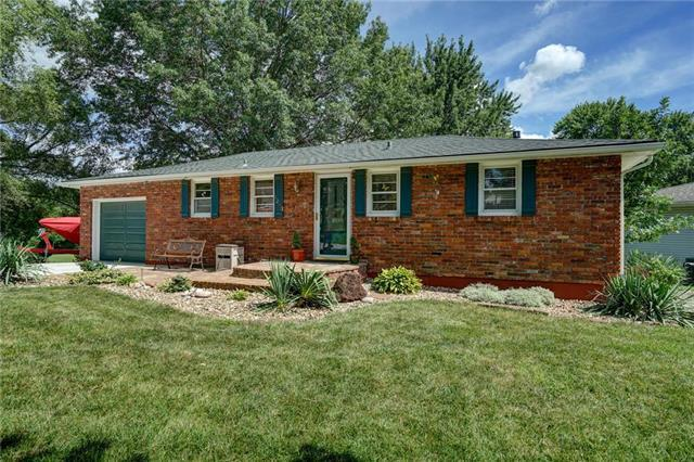 4243 N Drury Avenue, Kansas City, MO 64117 (#2179453) :: Dani Beyer Real Estate