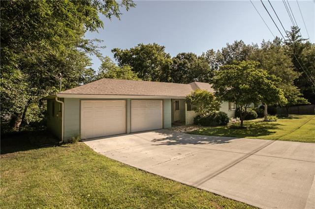 100 NE 74th Street, Gladstone, MO 64118 (#2179488) :: Dani Beyer Real Estate
