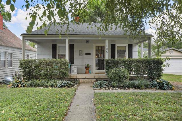 106 W 78th Terrace, Kansas City, MO 64114 (#2179505) :: No Borders Real Estate