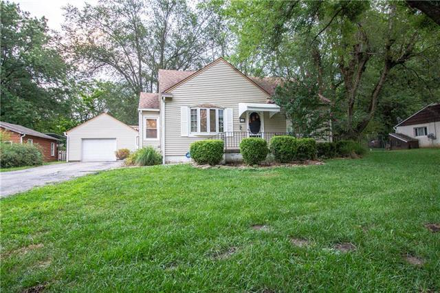829 S Trail Ridge Drive, Independence, MO 64050 (#2179650) :: House of Couse Group