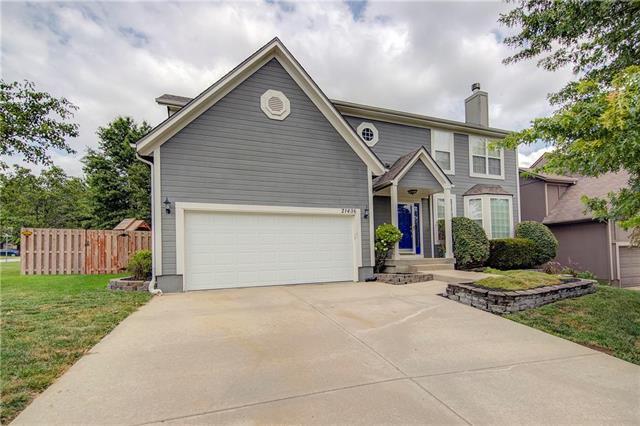 21436 W 48th Street, Shawnee, KS 66226 (#2179707) :: Eric Craig Real Estate Team