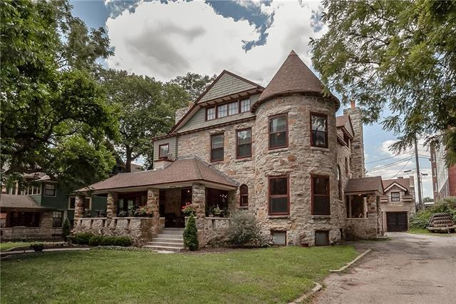 3526 Walnut Street, Kansas City, MO 64111 (#2179871) :: Eric Craig Real Estate Team