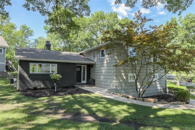 2615 W 92ND Street, Leawood, KS 66206 (#2179886) :: Eric Craig Real Estate Team