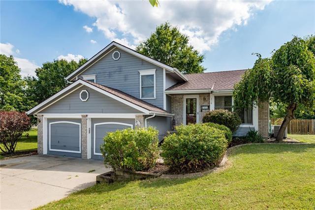 318 Newport Drive, Smithville, MO 64089 (#2179962) :: Eric Craig Real Estate Team