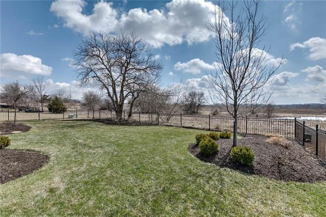 9519 W 164th Court, Overland Park, KS 66085 (#2180024) :: Kansas City Homes