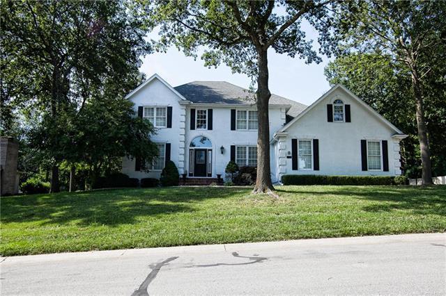 1138 NW Arrowhead Trail, Blue Springs, MO 64015 (#2180064) :: Kansas City Homes