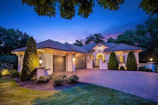 3110 W 138th Street, Leawood, KS 66224 (#2180297) :: Kansas City Homes