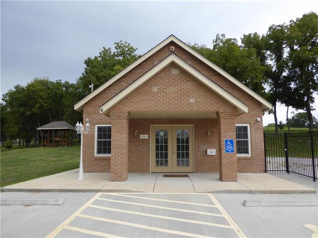9604 E Us 40 Highway, Independence, MO 64052 (#2180434) :: Team Real Estate