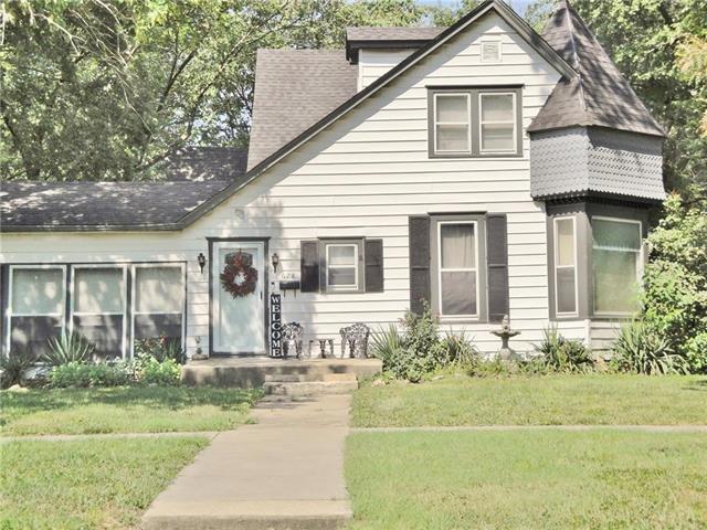 628 S Maple Street, Ottawa, KS 66067 (#2180553) :: Eric Craig Real Estate Team