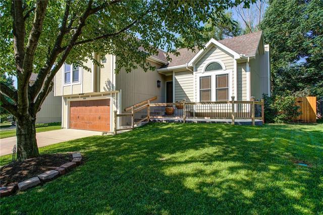 4808 Millridge Street, Shawnee, KS 66226 (#2180584) :: Eric Craig Real Estate Team