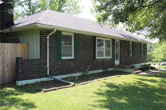 27519 S Tieman Road, Harrisonville, MO 64701 (#2180603) :: Eric Craig Real Estate Team