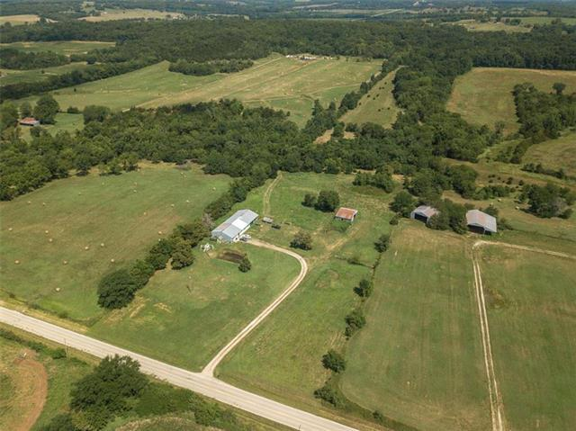 36250 W 327th Street, Osawatomie, KS 66064 (#2180701) :: House of Couse Group