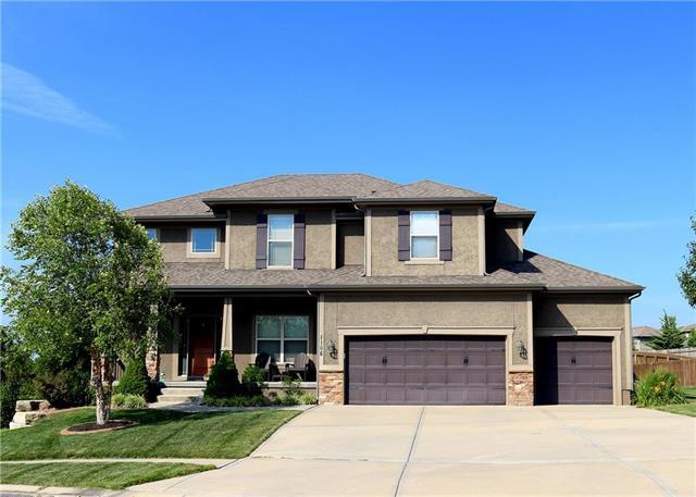 1106 Foxshire Circle, Raymore, MO 64083 (#2180710) :: Kansas City Homes