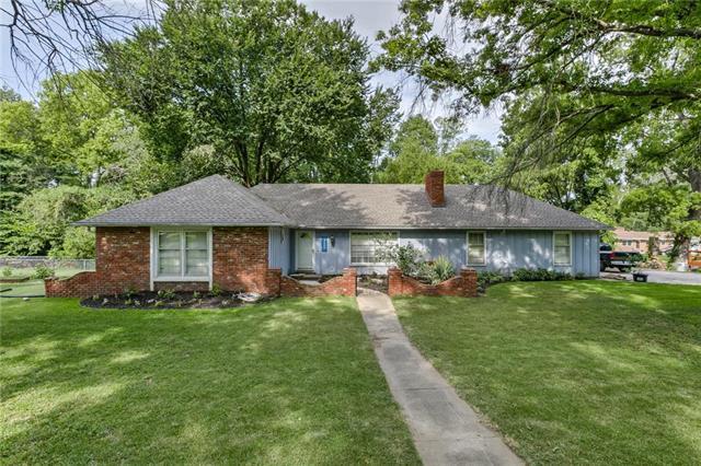 2116 N 86 Terrace, Kansas City, KS 66109 (#2180753) :: Clemons Home Team/ReMax Innovations