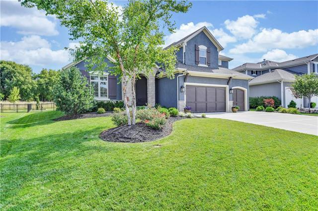 11522 W 157th Terrace, Overland Park, KS 66221 (#2180781) :: The Shannon Lyon Group - ReeceNichols