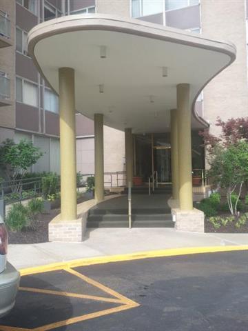 4545 Wornall Road #903, Kansas City, MO 64111 (#2180877) :: Edie Waters Network
