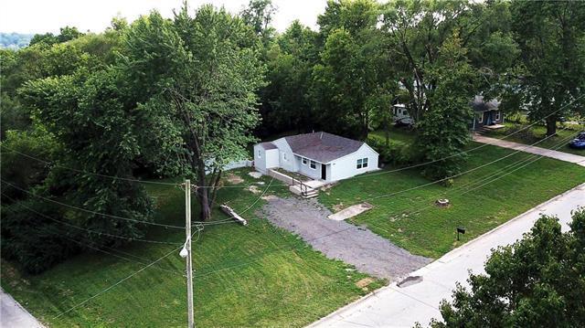 2803 Woodend Avenue, Kansas City, KS 66106 (#2180957) :: Eric Craig Real Estate Team