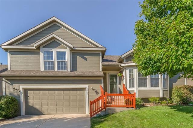 1004 Howard Court, Louisburg, KS 66053 (#2180970) :: Kansas City Homes
