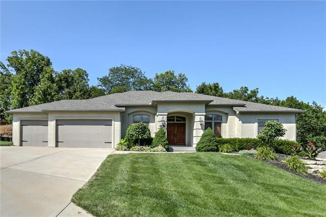 10418 River Hills Drive, Parkville, MO 64152 (#2180976) :: Kansas City Homes