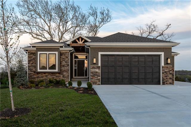 8817 Freedom Street, Lenexa, KS 66227 (#2181043) :: The Shannon Lyon Group - ReeceNichols