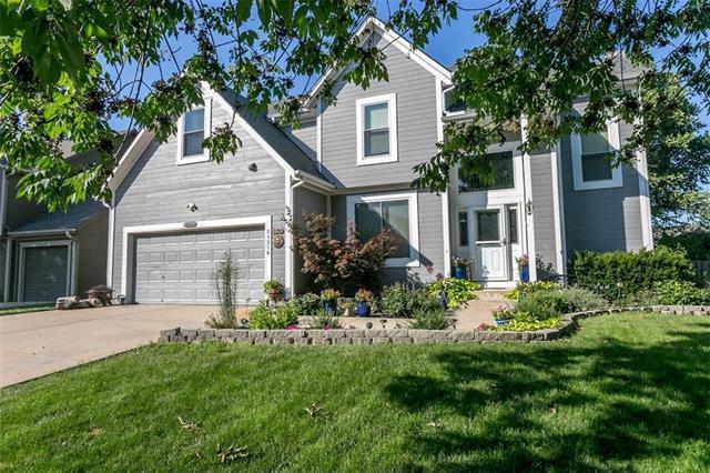 21216 W 48TH Street, Shawnee, KS 66218 (#2181049) :: Eric Craig Real Estate Team