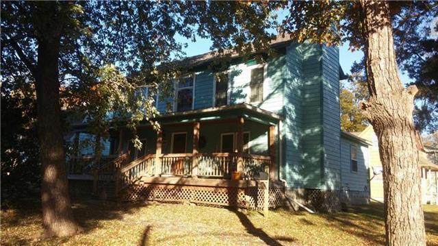 202 E Shawnee Street, Paola, KS 66071 (#2181348) :: Kansas City Homes