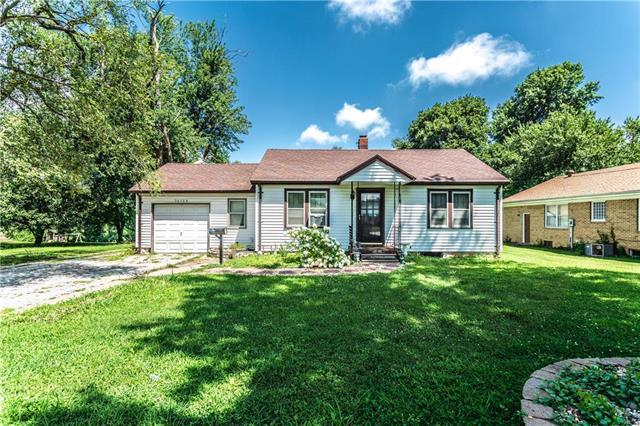 16108 E 23rd Street, Independence, MO 64055 (#2181361) :: House of Couse Group