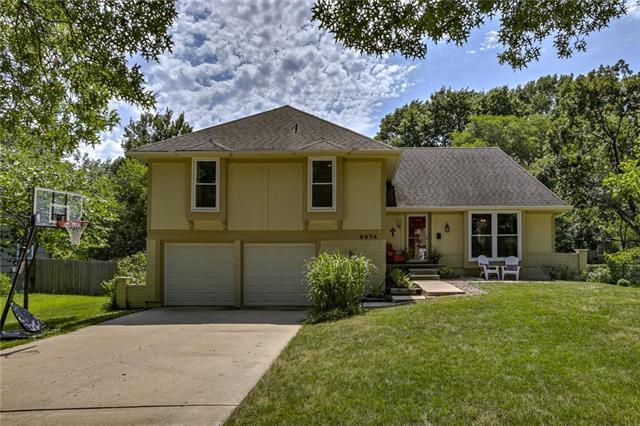 9974 Ballentine Street, Overland Park, KS 66214 (#2181391) :: Kansas City Homes