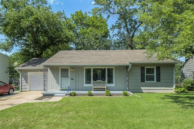 4118 W 59th Street, Fairway, KS 66205 (#2181408) :: The Shannon Lyon Group - ReeceNichols