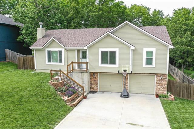 1508 S 105TH Court, Edwardsville, KS 66111 (#2181501) :: Eric Craig Real Estate Team