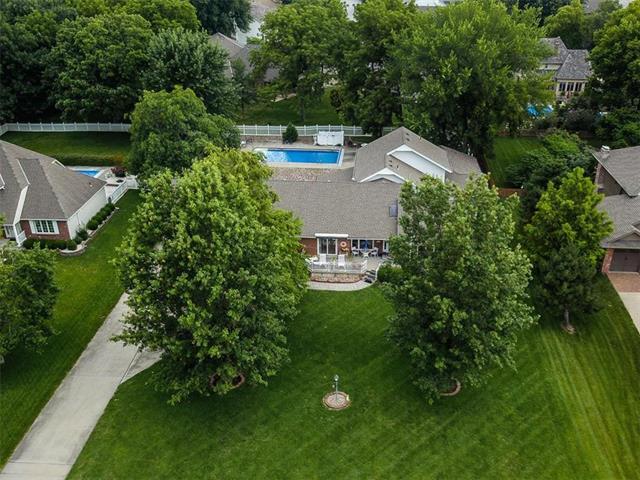 107 N Winnebago Drive, Lake Winnebago, MO 64034 (#2181562) :: Eric Craig Real Estate Team