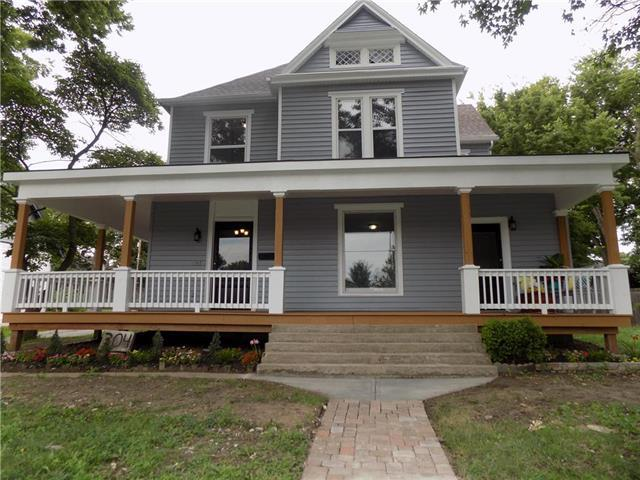 304 W Mechanic Street, Harrisonville, MO 64701 (#2181604) :: Kansas City Homes