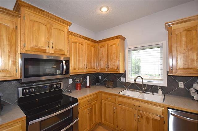 13300 W 137th Place, Overland Park, KS 66221 (#2181651) :: Kansas City Homes