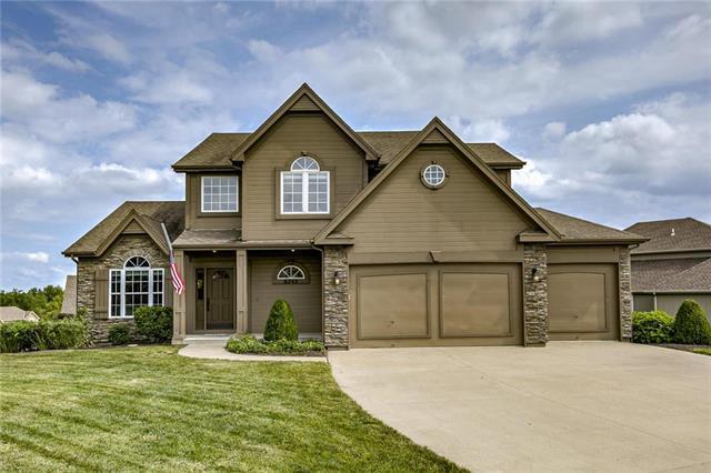 6245 N Nevada Avenue, Parkville, MO 64152 (#2181667) :: Kansas City Homes