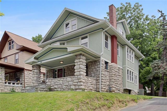 141 Elmwood Avenue, Kansas City, MO 64123 (#2181771) :: Kansas City Homes
