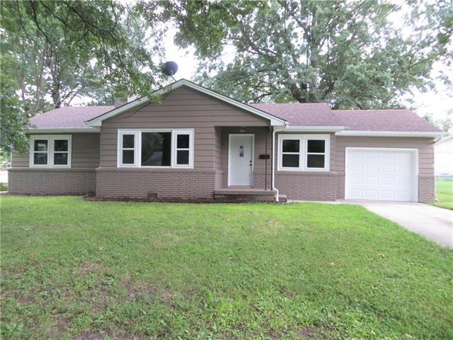509 W Lee Street, Butler, MO 64730 (#2181779) :: Clemons Home Team/ReMax Innovations