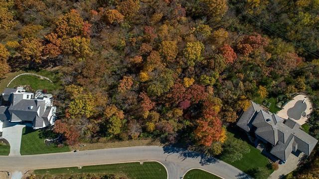 4801 NW Canyon Road, Lee's Summit, MO 64064 (#2181787) :: Kansas City Homes