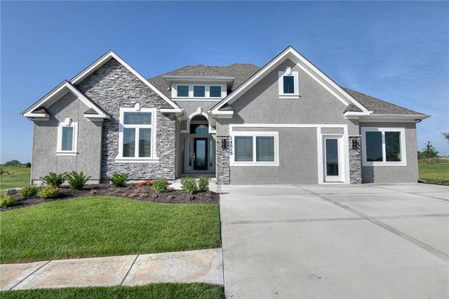 14411 N 145th Street, Basehor, KS 66007 (#2181815) :: Clemons Home Team/ReMax Innovations
