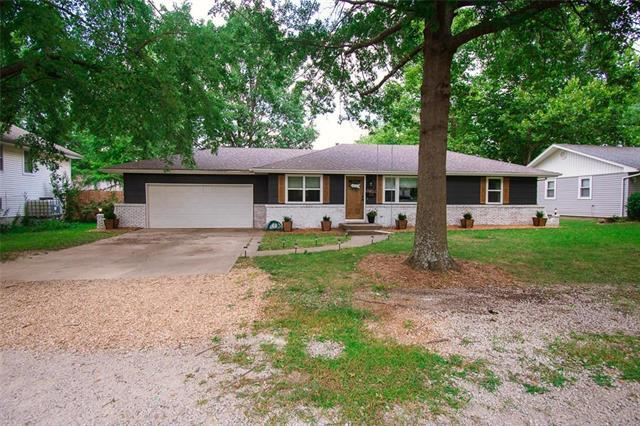 202 W 7 Th Terrace, Adrian, MO 64720 (#2181843) :: The Shannon Lyon Group - ReeceNichols
